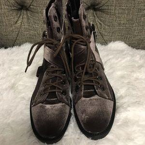 Shoes - Steve Madden velvet combat boots
